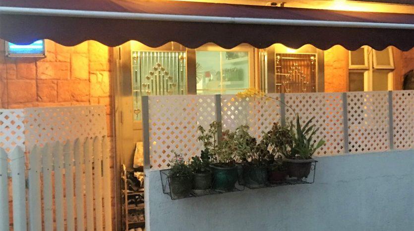 元朗村屋地下連花園